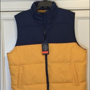 NWT Men's Two-Toned Quilted Vest